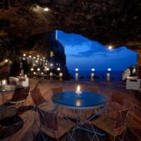 Dinez dans une grotte Italienne