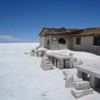 Un hôtel construit entièrement en sel en Bolivie!