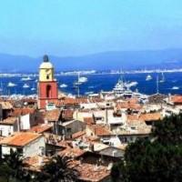 Nouvel hôtel à Saint Tropez: Simplicité et raffinement