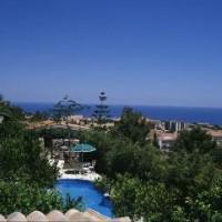Villa avec piscine et vue sur la mer