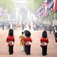 Londres – Paris – Provence : Juillet autrement !